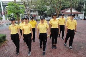 ฝึกข้าราชการตำรวจใหม่ในสังกัด บก.อก.บช.ส. ฝึกท่าการเดินแถว ตามแบบฝึกตำรวจ